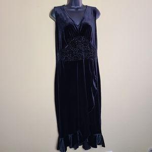 NWT Vintage Studio Sleeveless Velvet Dress